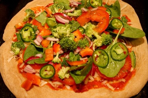 Whole Wheat, Veggie, Low Calorie Pizza | The Skinny Confidential || A ...