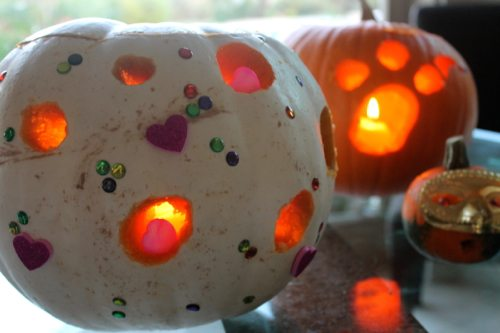 Cute-pumpkins-with-decorations