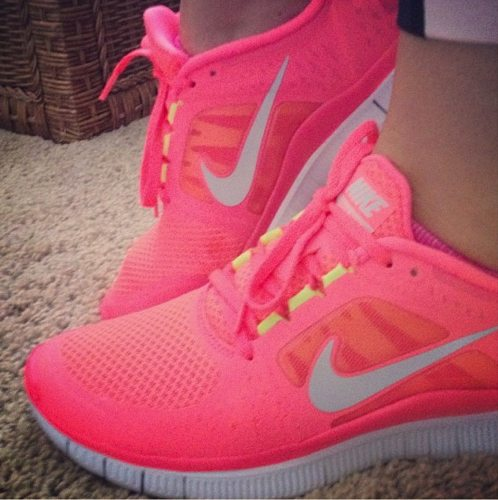 http://theskinnyconfidential.com/wp-content/uploads/2012/05/Nike-Free-Run-+-3-Neon-Pink-Shoes.jpg?9d7bd4