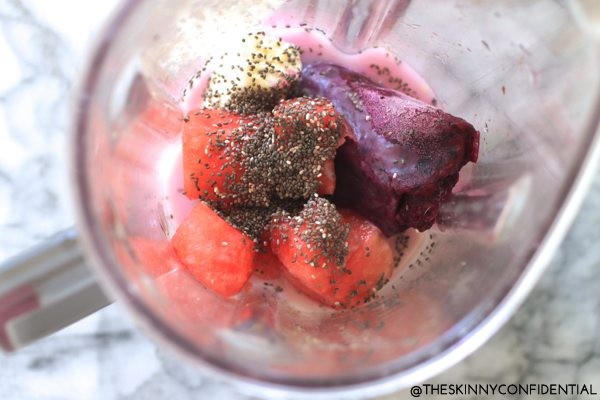 Dragon fruit smoothie by The Skinny Confidential.