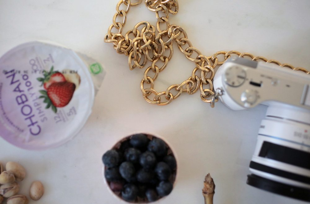 snacks to throw in your purse 7 | by the skinny confidential