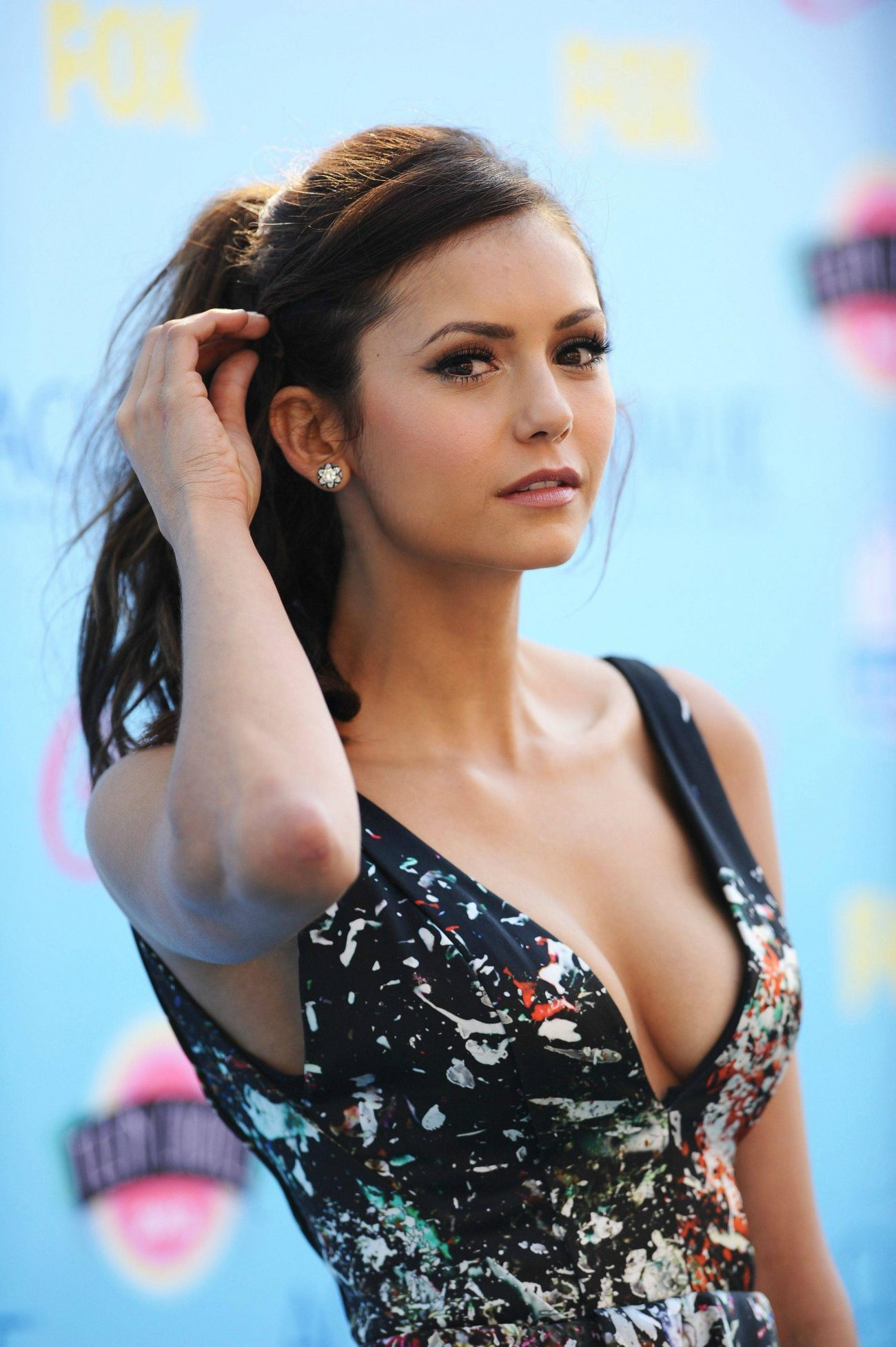 Skinny Pretty Virgins Ls: Nina Dobrev On Juicing, Working Out, & Healthy Snacks